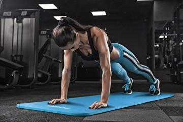 POWRX Gymnastikmatte Premium inkl. Trageband + Tasche + Übungsposter GRATIS I Hautfreundliche Fitnessmatte Phthalatfrei 190 x 60, 80 oder 100 x 1.5 cm I versch. Farben Yogamatte (Blau, 190 x 100 x 1.5 cm) - 4